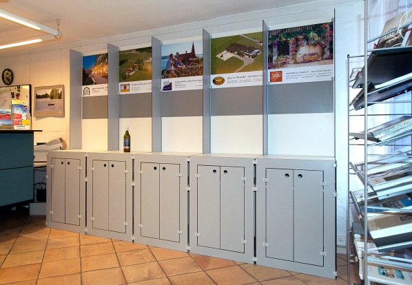 2015 La Neuveville - Office du Tourisme - Stands vignerons - Photo Chs Ballif